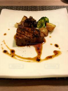 牛フィレ肉のステーキの写真・画像素材[1763076]