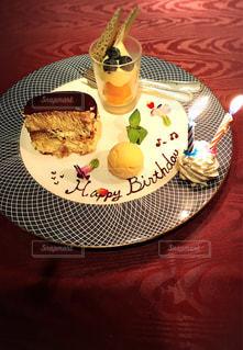 コース料理(誕生日のデザート)の写真・画像素材[1763090]