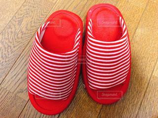 赤い靴のペアの写真・画像素材[1320772]