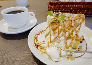 シフォンケーキの写真・画像素材[3667048]