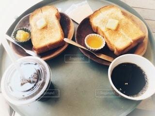 2人でカフェモーニングの写真・画像素材[3318886]