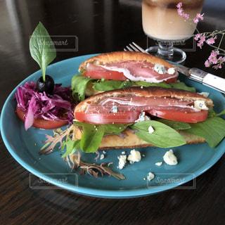 カフェ風ランチ サンドイッチの写真・画像素材[1270909]