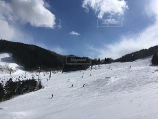 晴天のスノーボードの写真・画像素材[1271819]