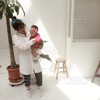 ママと末っ子とハイポーズ📷✨の写真・画像素材[3141271]
