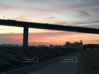 防波堤の夕暮れの写真・画像素材[1392162]