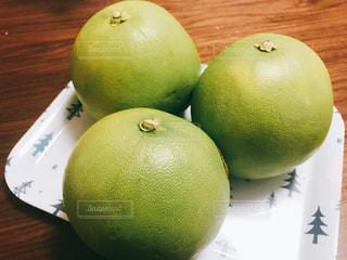 東南アジアでポピュラーな柑橘類ポメロの写真・画像素材[1634997]