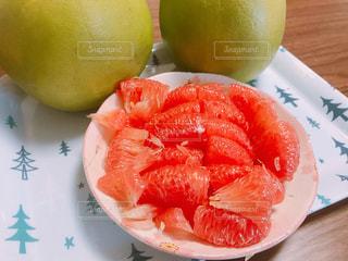 東南アジアでポピュラーな柑橘類ポメロの写真・画像素材[1635017]