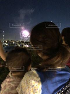 はじめての花火の写真・画像素材[1318936]