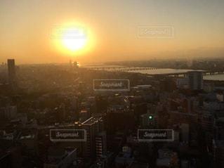 大阪梅田スカイビルの夕日の写真・画像素材[1275979]
