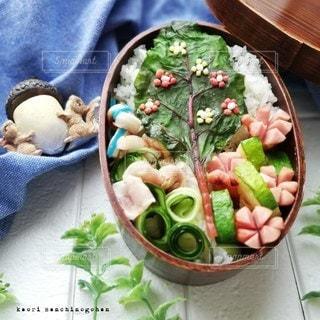 春のお弁当の写真・画像素材[2970291]