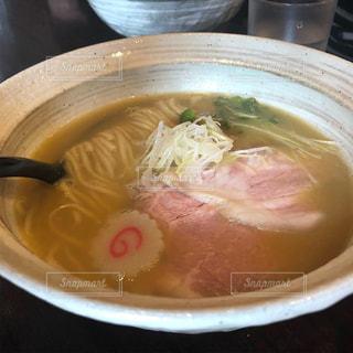 スープのボウルの写真・画像素材[1860055]