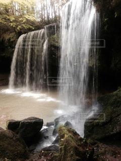 鍋ヶ滝の写真・画像素材[1351091]
