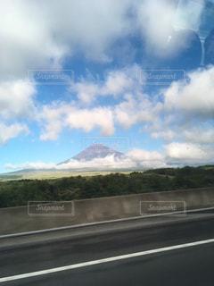 車内から見た富士山の写真・画像素材[1281965]