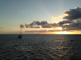 船と光の写真・画像素材[1280076]