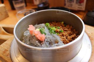 鎌倉ならでは。生しらす丼。の写真・画像素材[1280059]