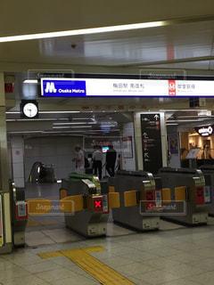 地下鉄梅田駅改札口の写真・画像素材[1305596]