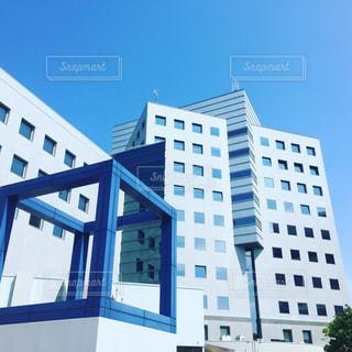 大きな白い建物の写真・画像素材[1309045]