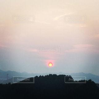 太陽が赤いの写真・画像素材[1311281]