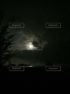 8月26日の満月の写真・画像素材[1415517]