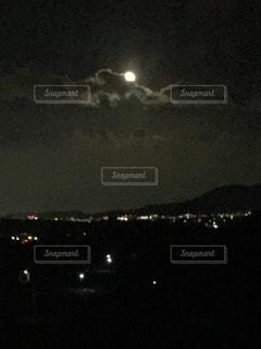 月夜の福岡市の写真・画像素材[1426145]