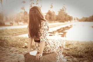 座っている女の子の写真・画像素材[1280692]