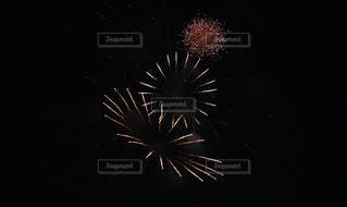空に花火の写真・画像素材[1361252]
