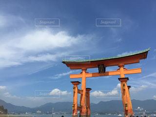 空と鳥居の写真・画像素材[1282707]
