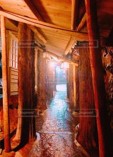 三段壁洞窟の写真・画像素材[1328025]