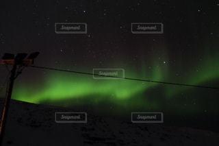 北欧に映えるオーロラの写真・画像素材[1281212]