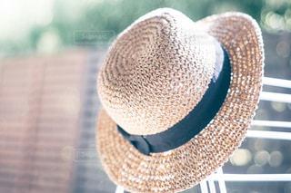 茶色と黒の帽子の写真・画像素材[1283820]