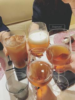 女子会の乾杯の写真・画像素材[1283854]