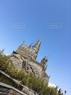 近くの塔のアップの写真・画像素材[1284379]