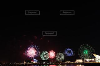 空に花火の写真・画像素材[1284451]
