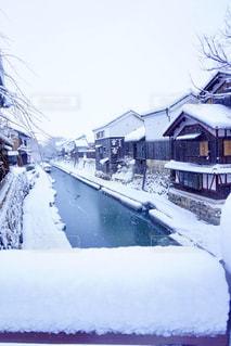 近江八幡の八幡堀に積もった新雪の写真・画像素材[1286222]