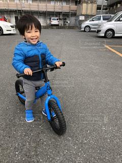 初めての自転車の写真・画像素材[1976087]
