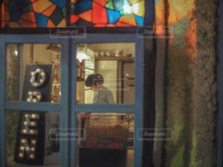 近くのドアのアップの写真・画像素材[1287267]