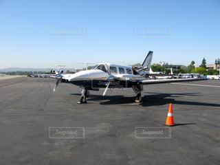 小さな飛行機の写真・画像素材[1289214]
