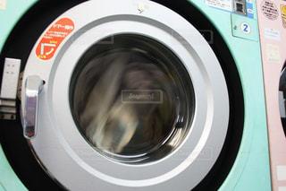 コインランドリー、洗濯機と乾燥機の写真・画像素材[1833701]