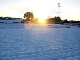 雪化粧と朝日の写真・画像素材[1872717]