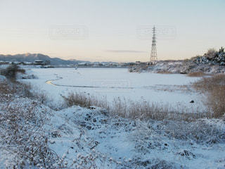 池の氷と雪の写真・画像素材[1872718]