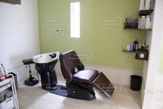美容室のシャンプーチェアの写真・画像素材[3985127]