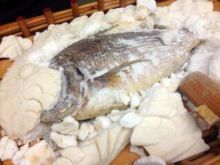 鯛の塩釜焼きの写真・画像素材[4797501]