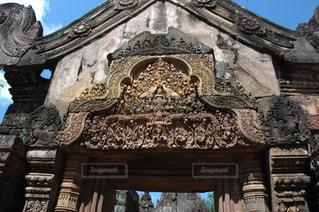 遺跡の古い石造りの建物の門の写真・画像素材[1292878]