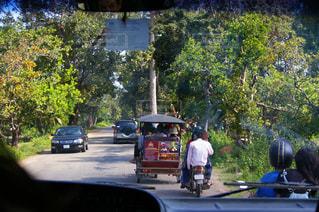 海外のタクシーからの風景の写真・画像素材[1295958]