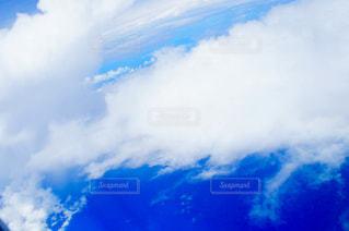 青い空と雲の写真・画像素材[1302934]