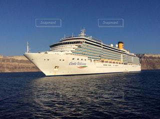 サントリーニの豪華客船の写真・画像素材[1760419]