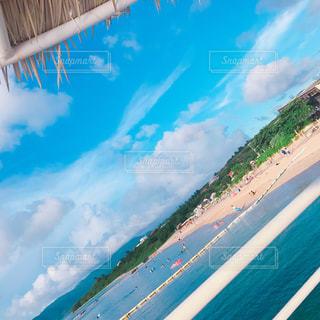屋根と空と海の写真・画像素材[1291449]