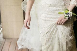 ウェディング ドレスを着た女性の写真・画像素材[1291736]