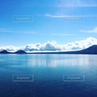 水の大きな体の写真・画像素材[1295554]