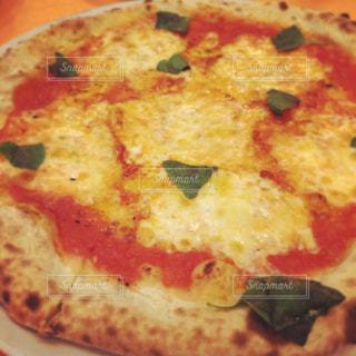美味しいピザを召し上がれ。の写真・画像素材[1295994]